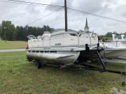Pre-Owned 2003  powered Monark Boat for sale